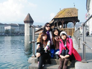 With my mom & sisters