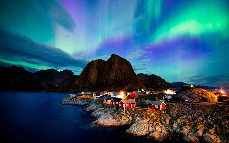 NORWAY-NATURE-ARCTIC-AURORA-BOREALIS