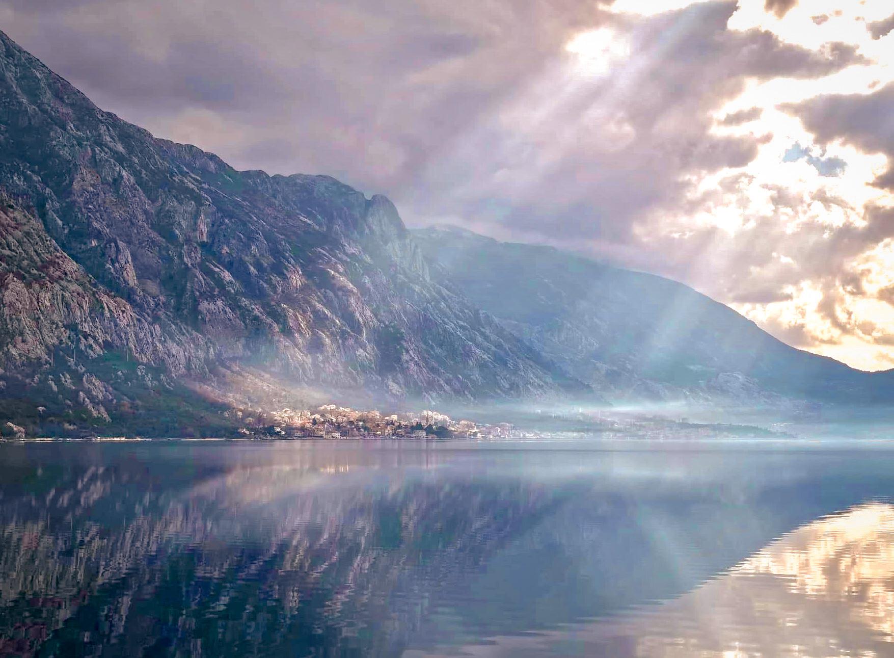 ဥရောပ ကမ်းခြေနိုင်ငံလေး မွန်တီနီဂရိုး Montenegro
